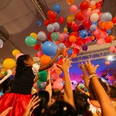 Tio Paulinho animou a garotada em baile infantil