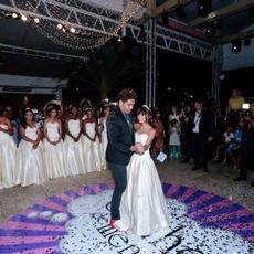 Baile Sonho de Menina realiza desejo de debutantes